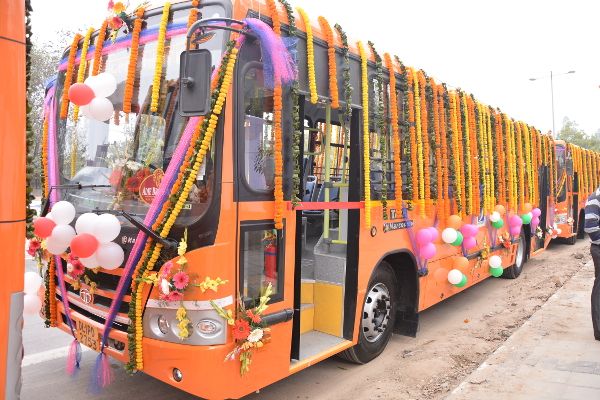 Inauguration of 100 Cluster Buses on February 17, 2017 at Delhi Secretariat